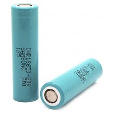Аккумуляторы высокой емкости Samsung INR18650-20R 2000mah на белом фоне
