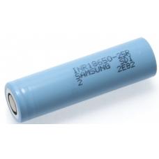 Аккумуляторы высокой емкости Samsung INR18650-25R 2500mah на белом фоне