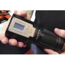 Мощный поисковый фонарь с оригинальным дизайном Fenix TK72R