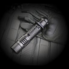 Карманный тактический фонарь в корпусе из алюминия