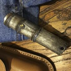 Карманный фонарик оригинального дизайна