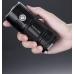 Фонарь Nitecore TM06S в руке пользователя