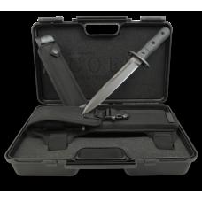 Нож десантника в фирменном пластиковом кейсе